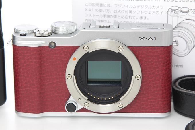 X-A1 レッド I1442-2E2