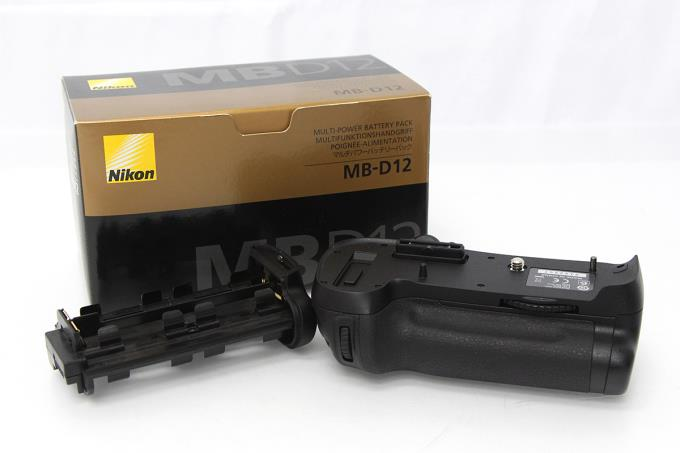 MB-D12 マルチパワーバッテリーパック (D800/D800E用) M569-2D1A
