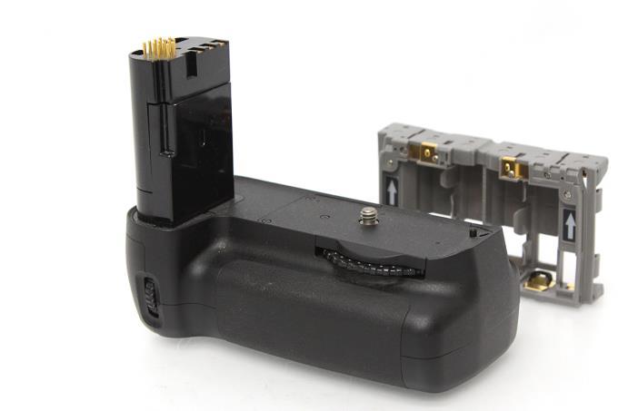MB-D80 マルチパワーバッテリーパック (D80用) M748-2D1B